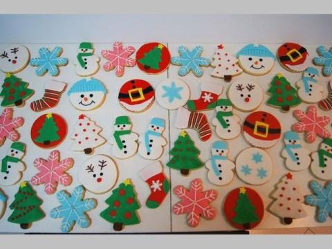 Christmas Cookies 4,500 LL each