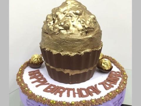 Ferrero Roche Lover giant cupcake