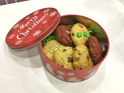 christmas cookie box 35,000 LL