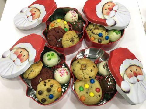 Christmas cookie tin box 35,000 LL