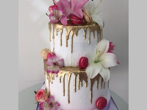 Gold Driped Floral Cake