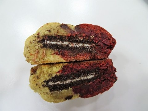 Half Chocolate chip Half Red Velvet filled with Oreo 4,000 LL