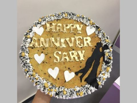 anniversary giant cookie 70,000 LL