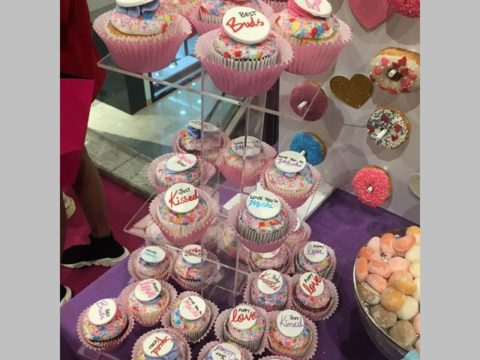 nyx cupcake stand