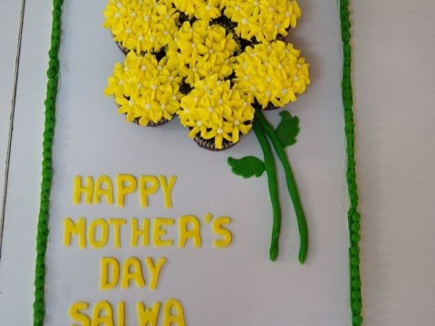 Yellow Roses Cupcake Bouquets 50,000 LL each