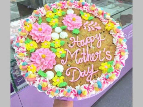 Mother's day cookie 70,000 LL each