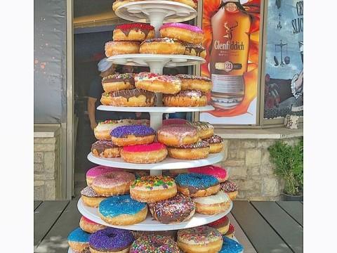 Multi Donuts Pyramid
