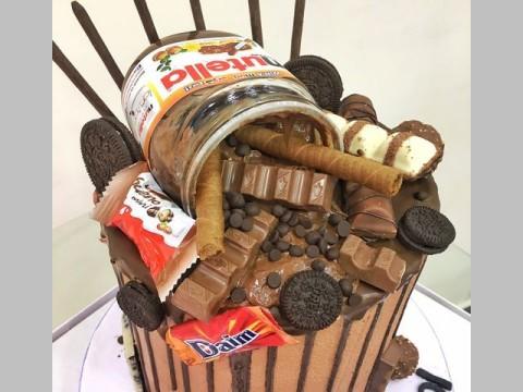 Nutella & Daim cake