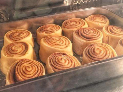 cinnamon rolls 6,000 LL each