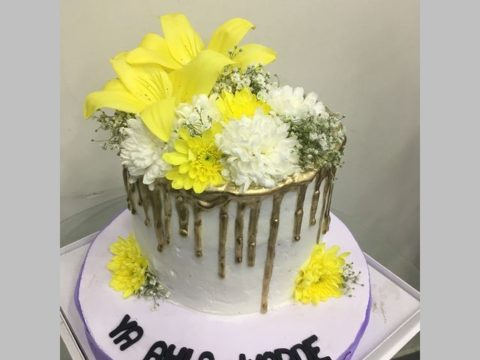 gold drip floral cake