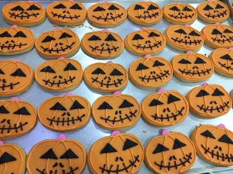 Halloween sugar cookies 4,500 LL each