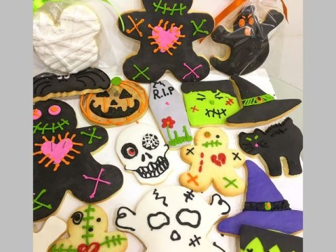 Halloween theme sugar cookies 4,500 LL each