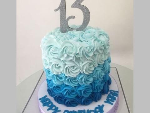 Light blue ombre cake