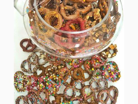 giant pretzels 2,000 LL