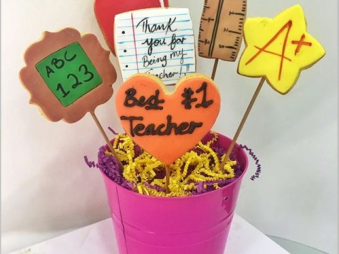 Teacher's day pot bouquet 45,000 LL each