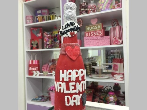 Valentine breakable bottle 75,000 LL each
