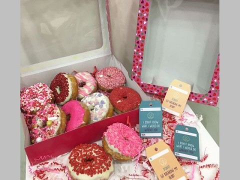 Valentine donuts 30,000 box