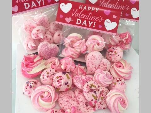 Valentine meringue 10,000 LL each