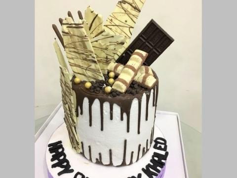 Double drip cake