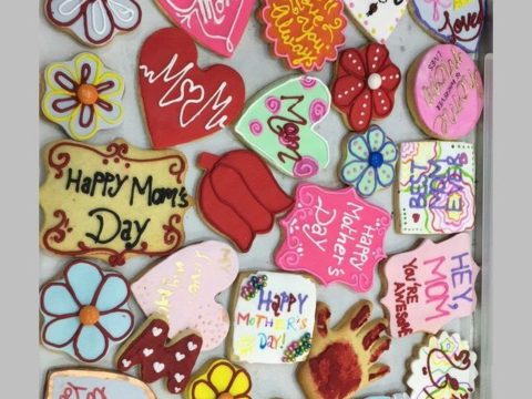 mother's day cookie 4,500 LL each