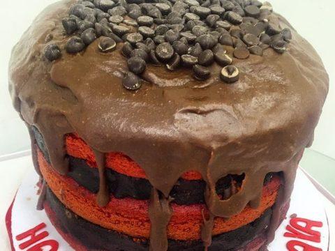 Red Velvet Oreo Truffle cake