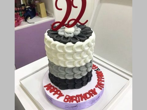 black & white design cake