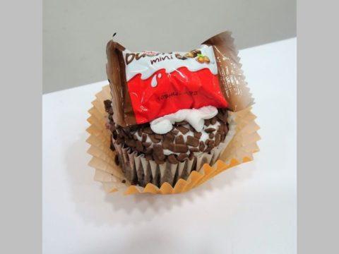 bueno cupcake 5,000 LL each