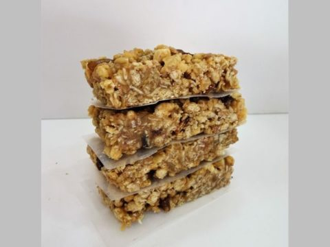 fruity crunchy muesli bar