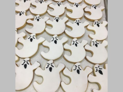 halloween ghost sugar cookie 4,500 LL each