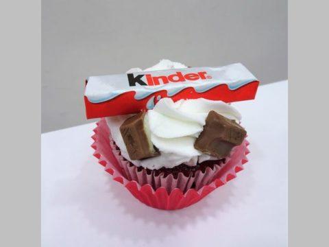 kinder cupcake 5,000 LL each