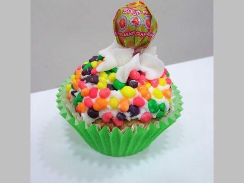 lollipop cupcake 5,000 LL each