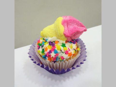 masrhmallow cupcake 5,000 LL each
