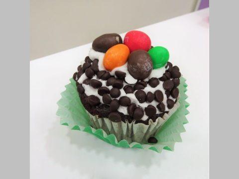 m&ms cupcake 5,000 LL each