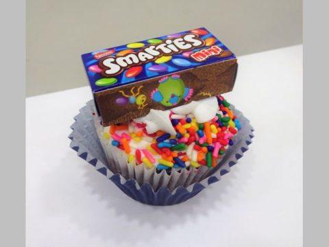 smarties cupcake 5,000 LL each
