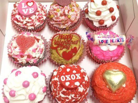 cupcakes 5,000 LL each