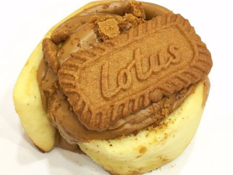 lotus cinnamon roll