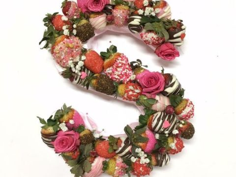 strawberry letter bouquet 50,000 LL